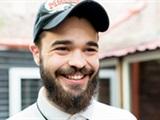 Выпить и почитать: как ветеран АТО открыл «избу-читальню» с барной стойкой