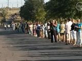 В Мариуполе более тысячи человек выстроились в «живую цепь» на блок-посту со стороны Новоазовска