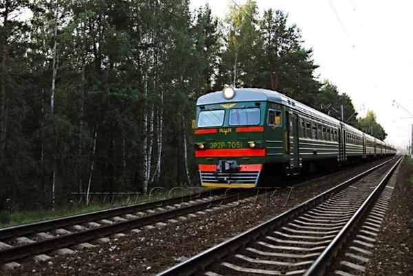 """На железной дороге """"ДНР"""" кризис: простой и копеечный проезд привели к тому, что сотрудники ж/д получают от 2 до 3 тысяч рублей"""