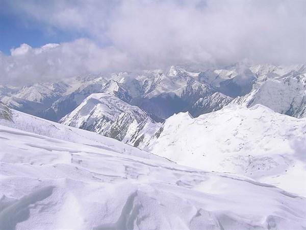 Горловские альпинисты покорили одну из наивысших горных вершин Памира