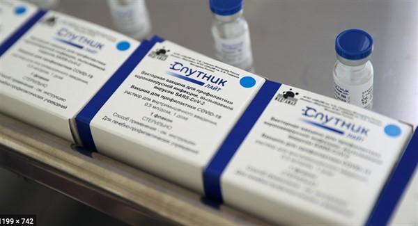"""В """"ДНР"""" доставят 90 тысяч российской вакцины «Спутник Лайт». Она вводится один раз"""