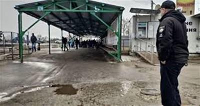 На КПВВ Станица Луганская появилась возможность сдать анализ на COVID-19. Для этого установили вагончик