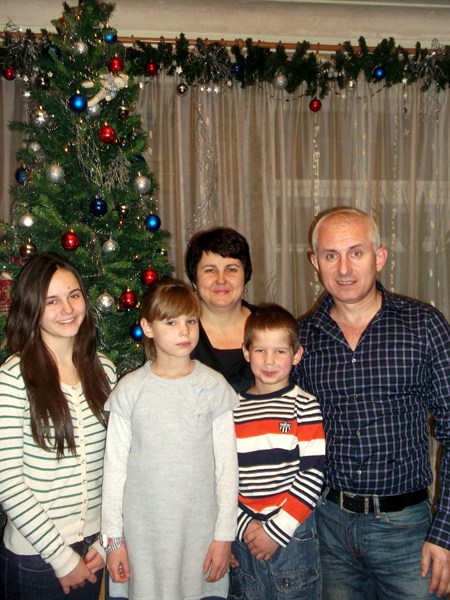 Многодетная семья Крючковых: «Лучшим подарком для ребенка на Рождество может стать детская Библия»