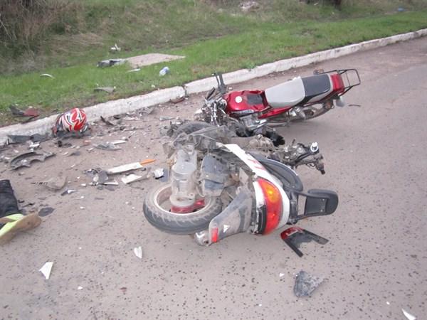 На Прикарпатті під час ДТП мотоцикл допустив зіткнення із скутером