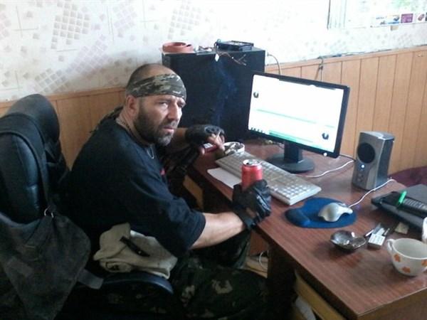В группе «Горловка за независимую Украину», взломанной на днях, вновь собирают досье на горловчан, взявших в руки оружие, чтобы воевать за ДНР