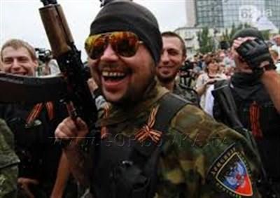 В Горловке увеличилось количество местных полицейских на улицах: ходят в бронежилетах и с овчарками