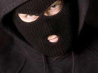 В Горловке четверо злоумышленников совершили грабеж: забрали генератор, телевизор и автомобиль