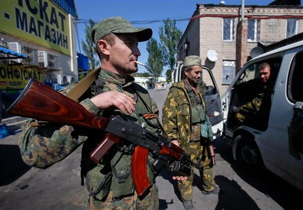 В Горловке увеличилось количество боевиков на улицах: готовятся к атаке ВСУ