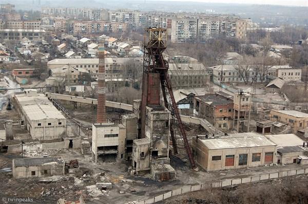 Комсомольское настоящее: как исчезает шахта, еще десять лет назад кормившая целый жилмассив (ФОТОРЕПОРТАЖ)