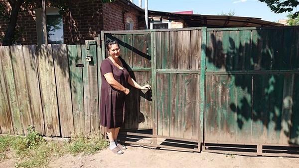 Горловчане-переселенцы могут оказаться с детьми на улице. Им нужно 70 тысяч, чтобы выкупить старый дом в Константиновке