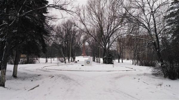 Сегодня в Горловке сыро и холодно: ФОТОГРАФИИ из города