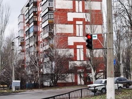 В Горловке водителям разрешили  ездить на красный сигнал светофора (ТОП-5 перекрестков, где можно)