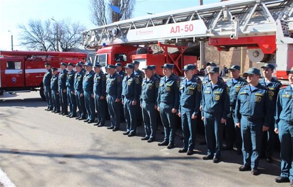 В Никитовском районе Горловки установили мемориальную доску первой пожарной команде Донбасса