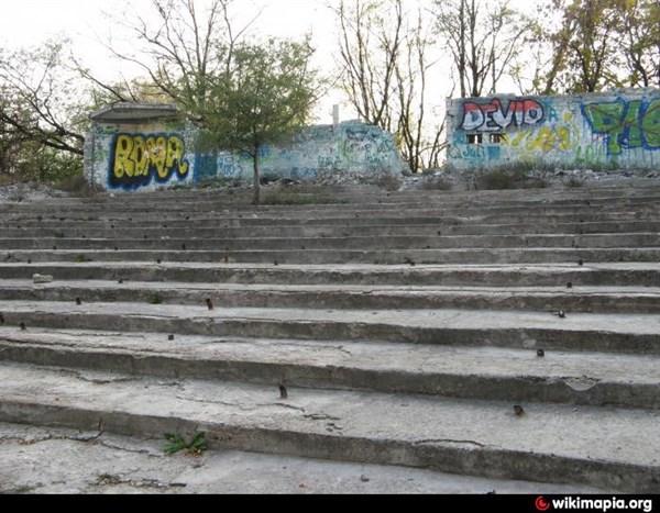 Горловка в объективе: Пушкинская, Кирова и развалины летнего кинотеатра
