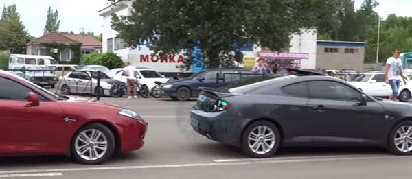 На «Порше», «копейке» и «Запорожце»: 7 видео с любительских соревнований по дрэг-рейсингу в Горловке