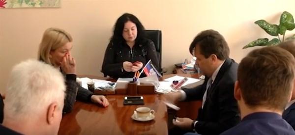 Бизнесмен из Норвегии и чиновник из Германии оказались в Горловке: что они там делали?