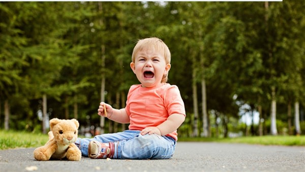 Детские истерики: как вести себя родителями