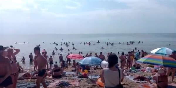 """""""Народу очень много"""": впечатление жительницы """"ДНР"""" от отдыха в Седово"""