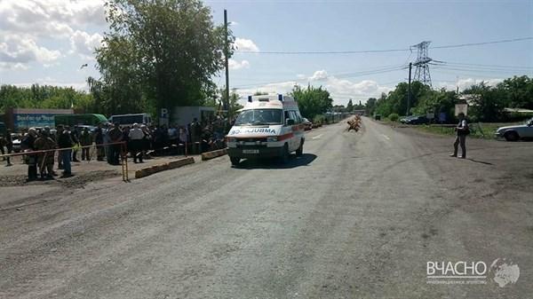 Поддержать горловчанина Владимира Веселкина, которого уволил Жебривский, вышли жители поселков