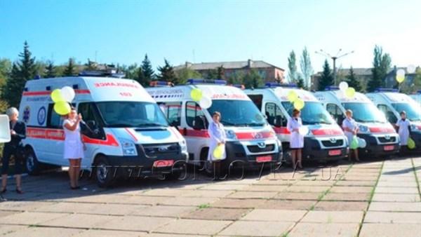 «Скорая» сказка: в Горловке обновленный автопарк станции медпомощи почти месяц стоит на приколе