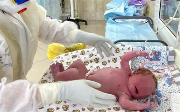 В Горловке за неделю родилось девять девочек