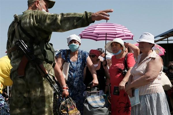 """""""ДНР"""" изменила правила выезда и въезда на свою территорию. Для украинцев масса препятствий"""