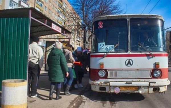 В городских автобусах Горловки поднимается стоимость проезда на 4 рубля. Уже первого апреля