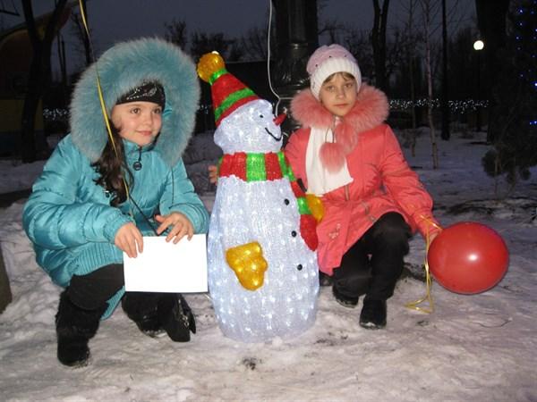 Горловские детишки верят в Святого Николая: какие подарки чудотворец принес каждому под подушку (ТОП-7 детских признаний)