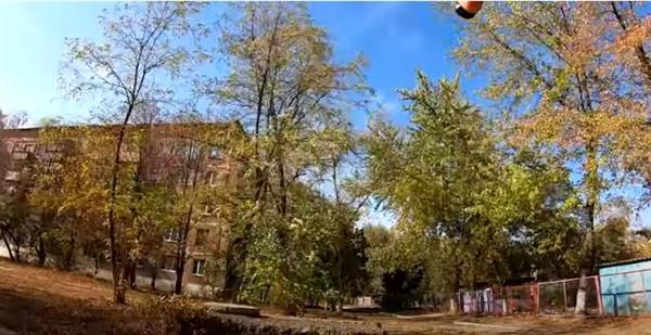 По дворикам Пантелеймоновки: горловский блогер показал окрестности поселка (ВИДЕО)
