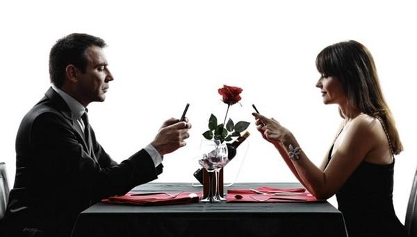Особенности знакомства с женщинами в сети