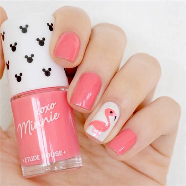 Тропический дизайн с фламинго на ногтях