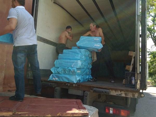 В Никитовском районе Горловки выдают гуманитарную помощь семьям с детьми до трех лет