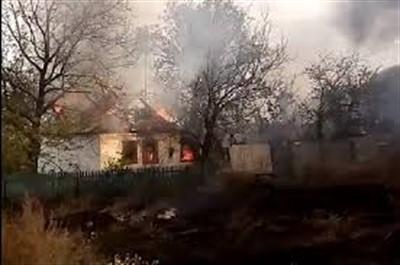 В Горловке обстрелян поселок Зайцево. Горят дома