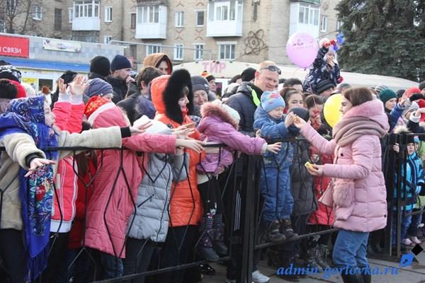 В Горловке отметили Рождество и пригласили по одному человеку из украинских городов