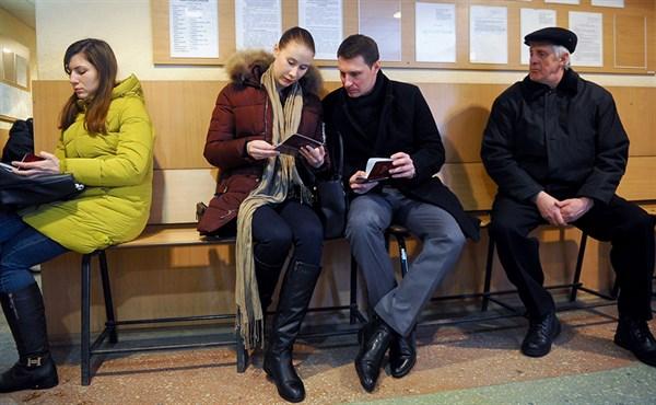 """Украинские власти не смогут запретить России выдавать свои паспорта жителям """"ДНР/ЛНР"""""""