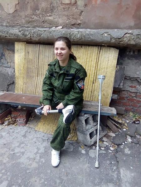"""""""Меня удочерила русь"""", -пишет стихи горловская снайперша, которая осталась инвалидом и теперь никому не нужна"""