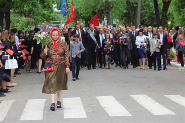 День Победы в Головке: во главе праздничной колонны шел экс-замминистра ЖКХ Украины (фоторепортаж)