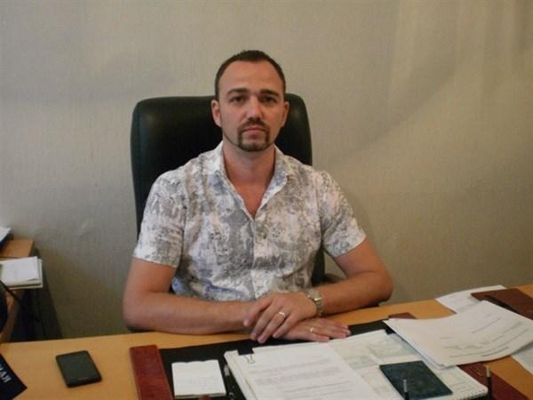 Глава горздрава Горловки, собиравший дань с городских больниц до 5 миллионов в месяц, отпущен на свободу до решения суда