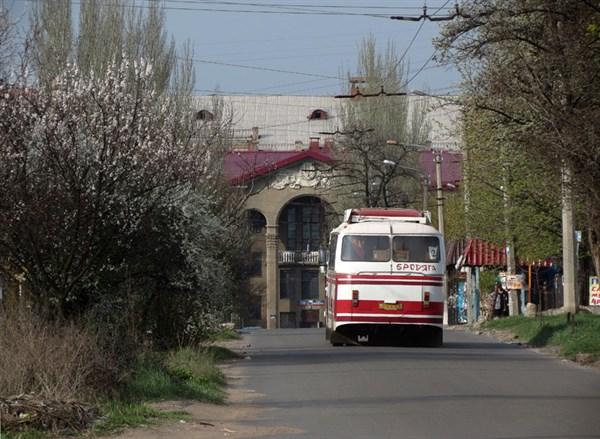 Городские улицы: жительница Горловки показала вечерний город
