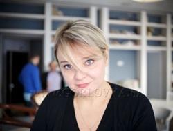 Пока не доказано обратное, гражданин РФ – враг. Писатель Елена Стяжкина – про «плохой» Донбасс и закадровый смех Кремля