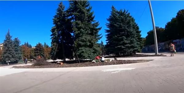 Что нового в центре Горловки и как выглядит площадь Победы: ВИДЕООБЗОР