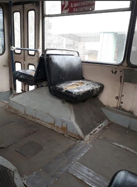 "В соцсетях обсуждают состояние салона троллейбуса в Горловке и дорог на ""Строителе"" (ФОТО)"