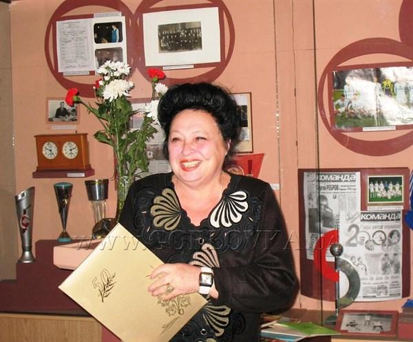 В Горловке ушла из жизни экс-директор уникального музея миниатюрной книги им. Разумова