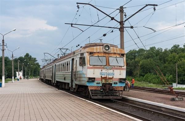 """Незаконная группировка """"ДНР"""" из-за экономии отменила ряд пригородных поездов"""