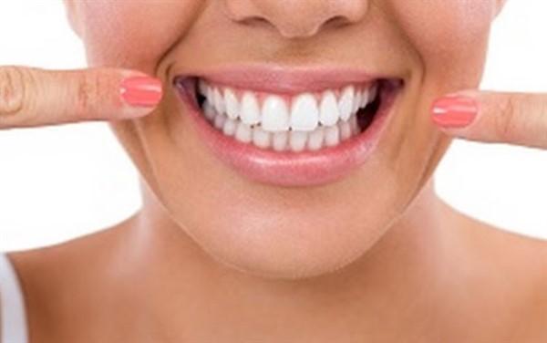 Стоматологическая клиника и имплантация зубов: определяемся с выбором