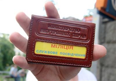 На родине экс-президента Украины вооруженные люди задержали восемь сотрудников милиции и автомобиль патрульно-постовой службы. Сейчас все в Горловке