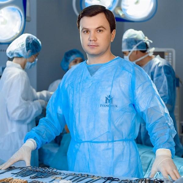 Доктор Максим Иванчук рассказал о маммопластике: для чего и кому она нужна?