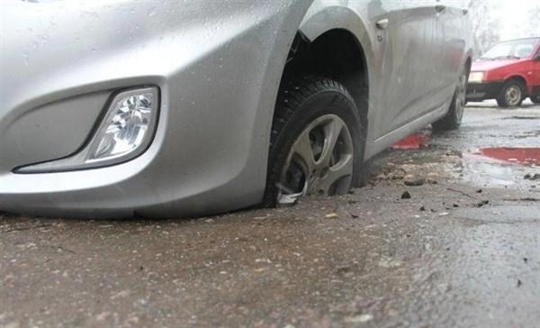 Горловчане нарекают на плохие дороги, принудительные субботники и ругают «ДНР» за неоправданные надежды