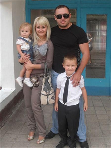 Три года назад в Горловке в результате попадания снаряда погибла семья с маленькими детьми