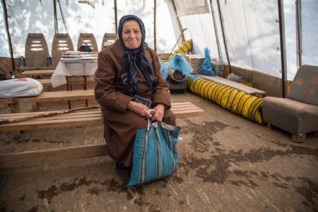 Образцовое нарушение прав: жительница Горловки рассказала, как получает украинскую пенсию